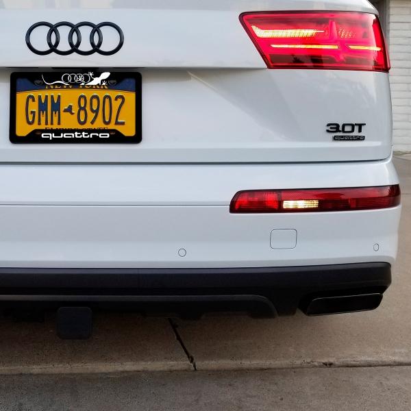 Audi Gecko Logo Quattro Q5 Q7 TT A4 A5 A6 R8 S2 S3 RS Printed Aluminum Composite Car License Plate Frame
